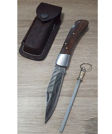 Set Damascus Lockback leather sheath and Sharpener